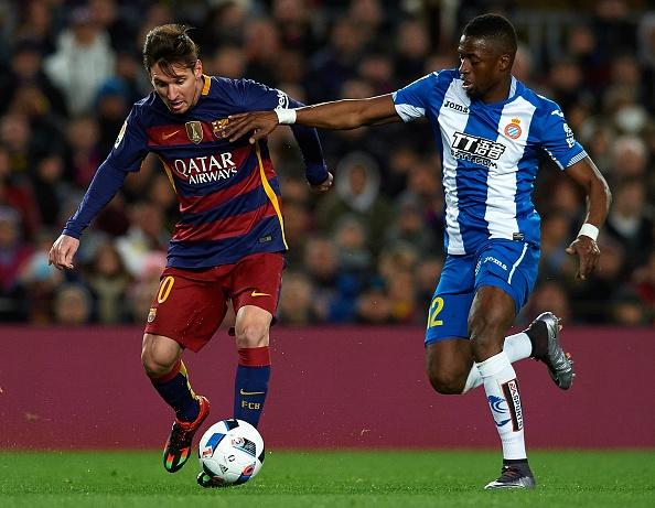 Messi chao don hai tan binh cua Barca bang cu dup hinh anh 1