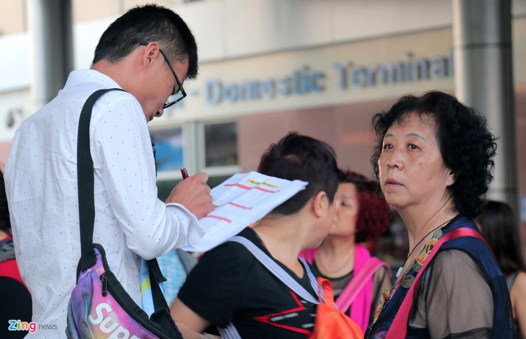 San bay Cam Ranh dong nghet khach Trung Quoc hinh anh 8