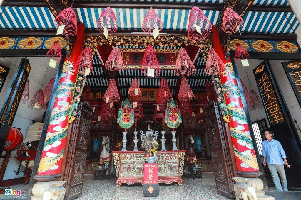 Hoi quan Quang Dong o pho co Hoi An anh 7