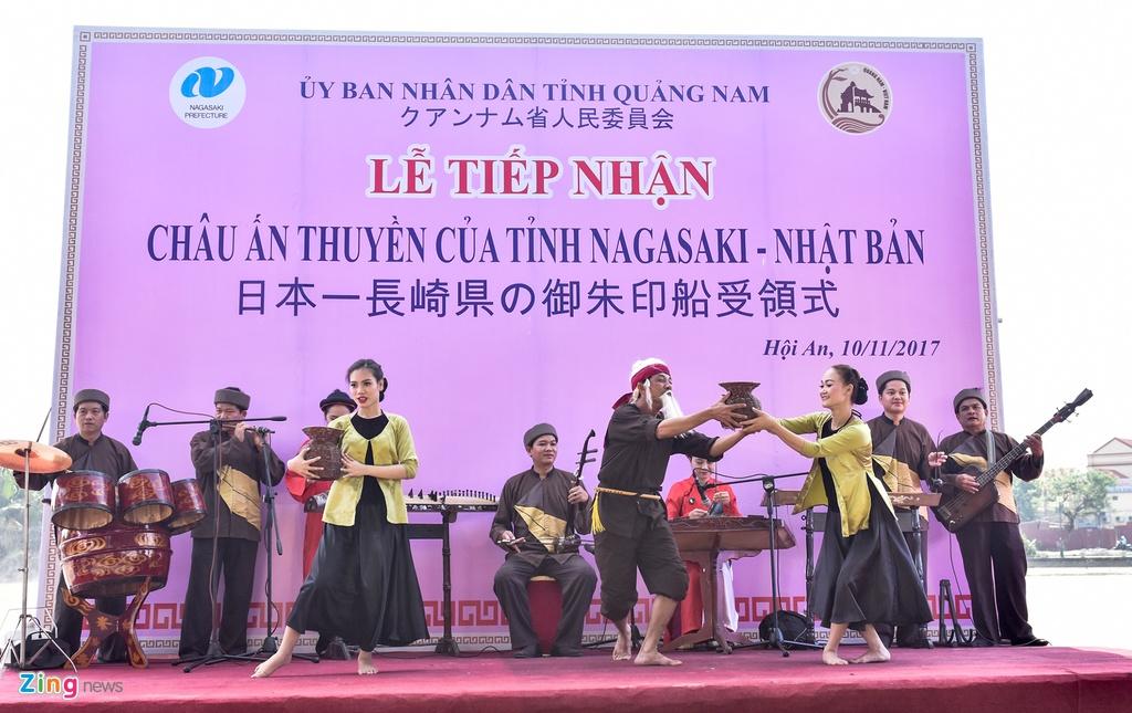 Tai hien dam cuoi cong nu Ngoc Hoa tren 'Chau An thuyen' hinh anh 1