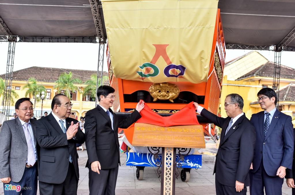 Tai hien dam cuoi cong nu Ngoc Hoa tren 'Chau An thuyen' hinh anh 2