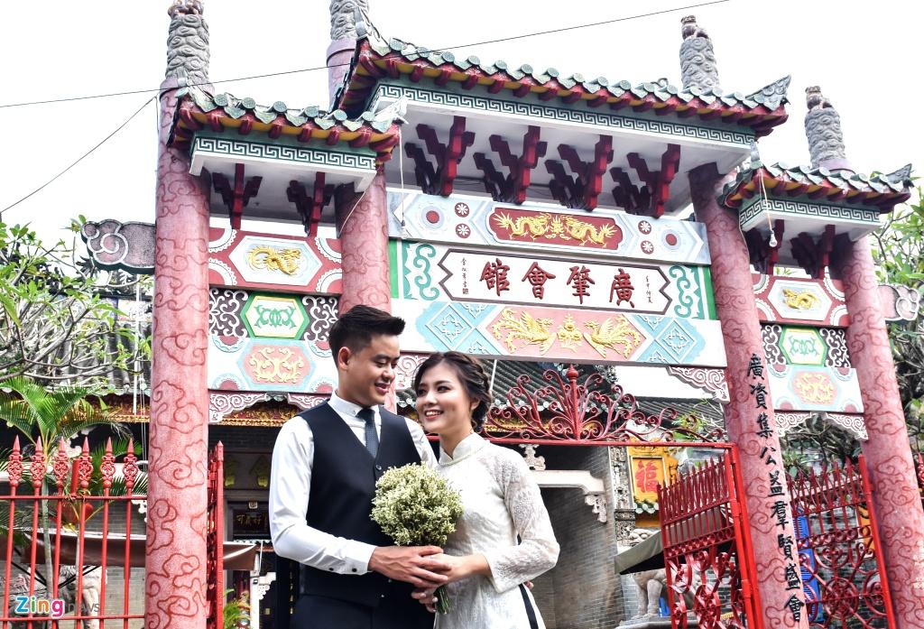 Hoi quan Quang Dong o pho co Hoi An anh 2