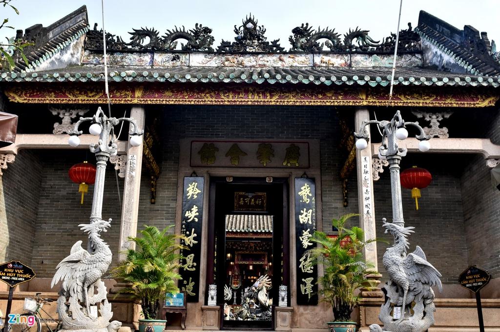 Hoi quan Quang Dong o pho co Hoi An anh 4