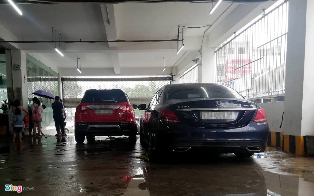 BMW, Range Rover chim trong ham xe chung cu cao cap Hoang Anh Gia Lai hinh anh 6