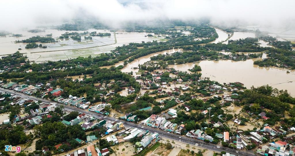 Lũ ập về, hàng nghìn dân Quảng Ngãi không kịp trở tay  – Đời sống