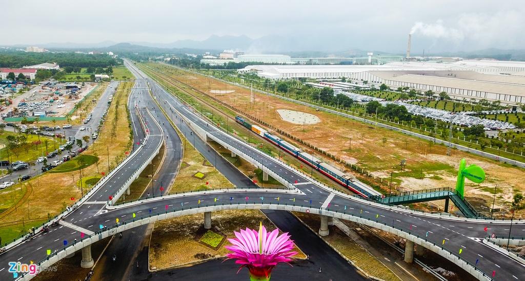 Cau vuot mang bieu tuong hoa xuong rong 600 ty o Quang Nam hinh anh 4