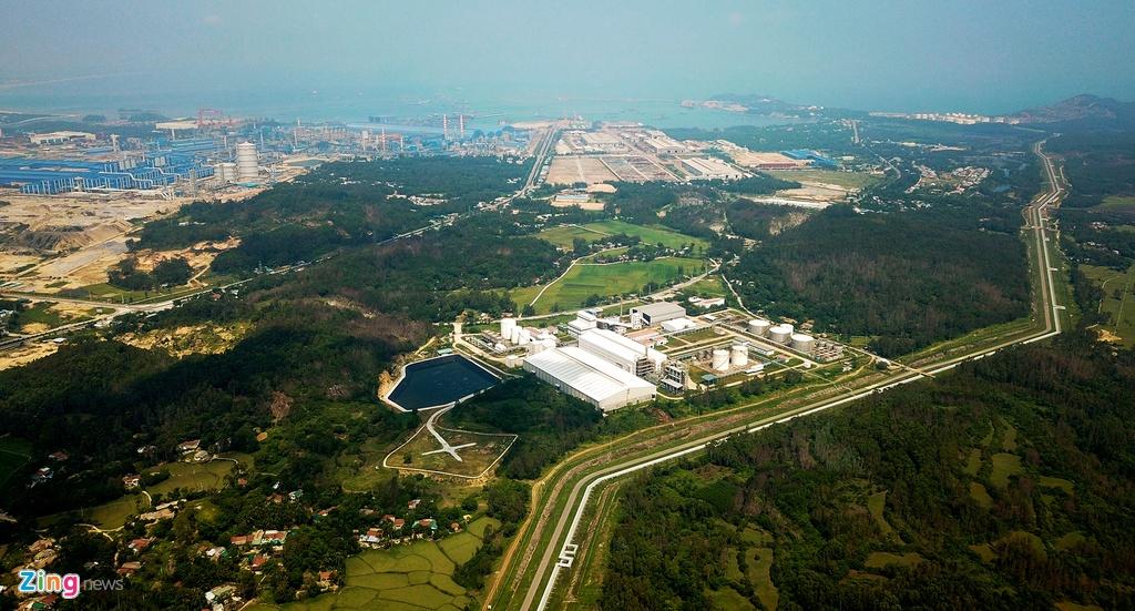 Cỏ dại phủ kín nhà máy Ethanol 2.100 tỷ