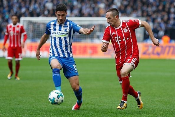Willy Sagnol ra mat te hai trong tran dau dan dat Bayern Munich hinh anh 2