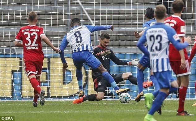 Willy Sagnol ra mat te hai trong tran dau dan dat Bayern Munich hinh anh 8