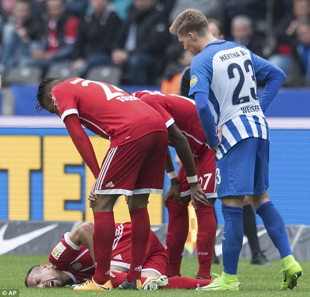 Willy Sagnol ra mat te hai trong tran dau dan dat Bayern Munich hinh anh 9