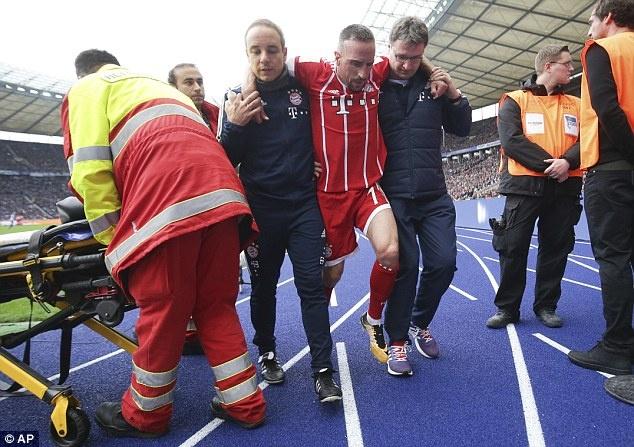 Willy Sagnol ra mat te hai trong tran dau dan dat Bayern Munich hinh anh 10