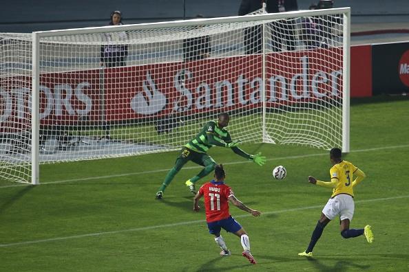 Sanchez toa sang giup Chile tien sat vong chung ket World Cup 2018 hinh anh 5