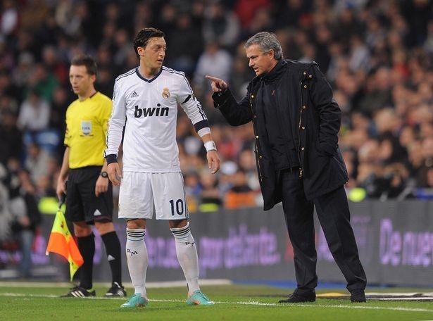 Lieu Mesut Oezil co phu hop cho Man Utd? hinh anh 4