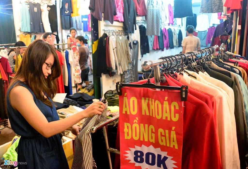 Cho lam bang thung container o ngoai o Sai Gon hinh anh 15