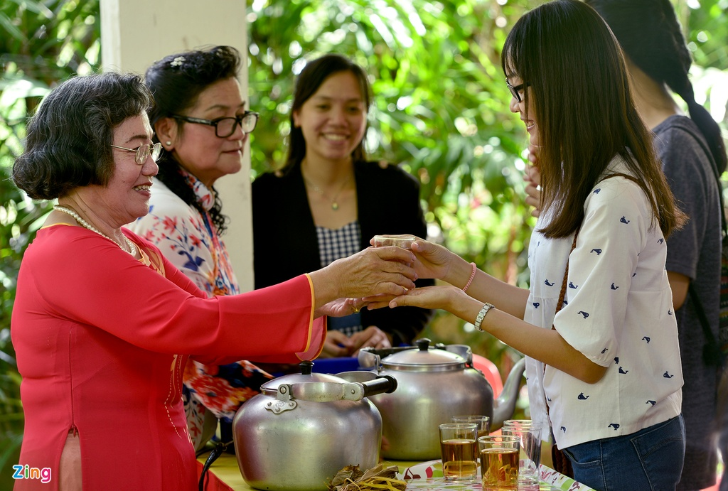 Sinh vien Viet Nam tham lang huu nghi Viet - Thai hinh anh 10