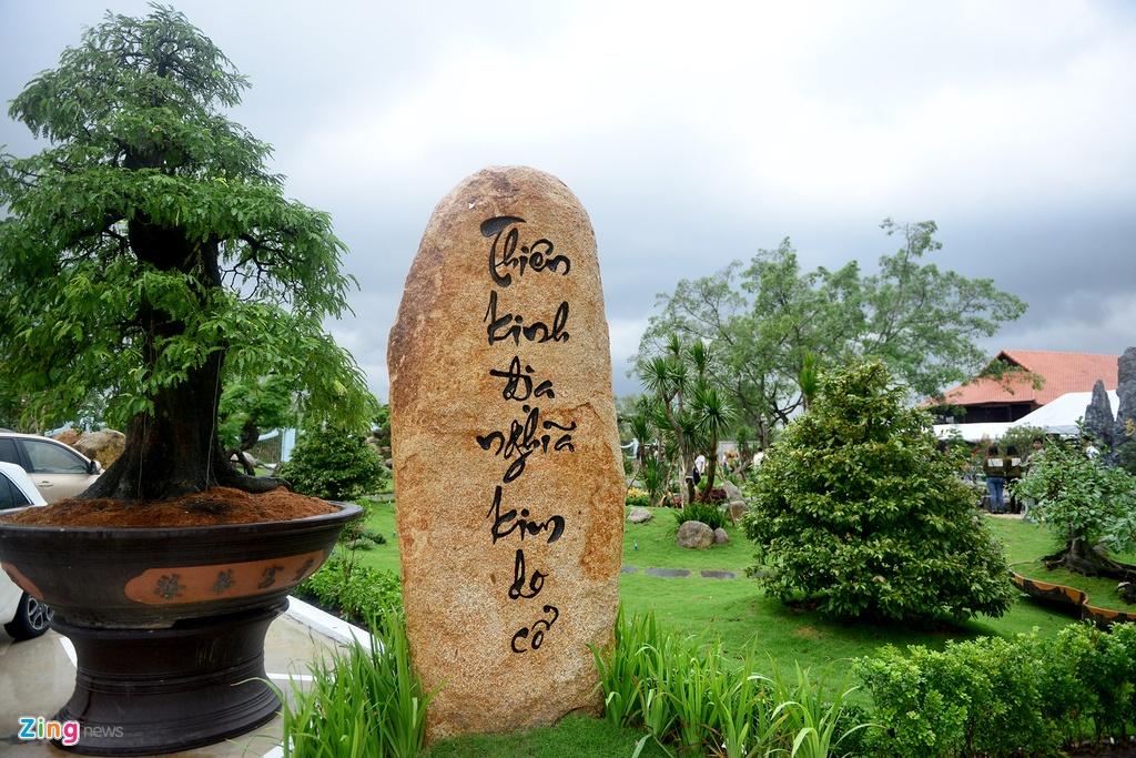 Toan canh nha tho To cua Hoai Linh o Sai Gon hinh anh 15