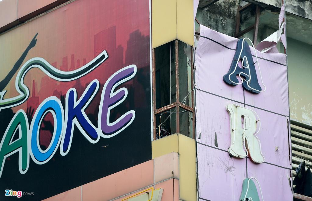 Bien quang cao bit kin quan karaoke, cua hang o Sai Gon hinh anh 8