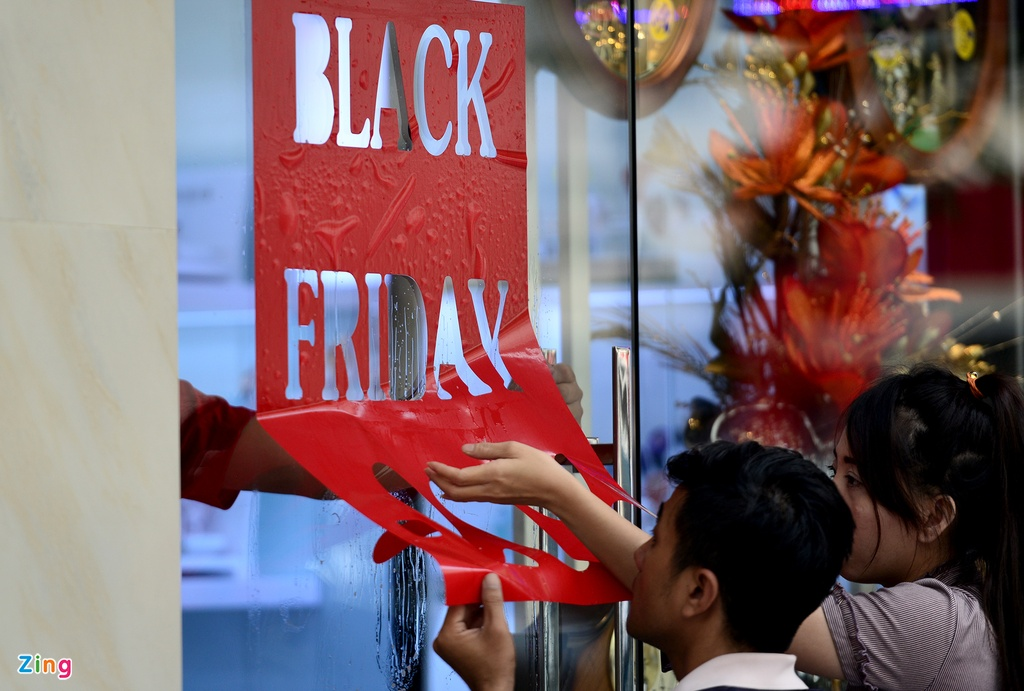Black Friday o Sai Gon: Noi khep cua chan khach, noi tho o hinh anh 17
