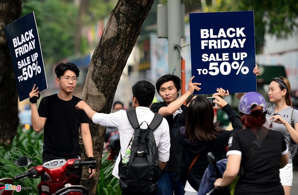 Black Friday o Sai Gon: Noi khep cua chan khach, noi tho o hinh anh 2
