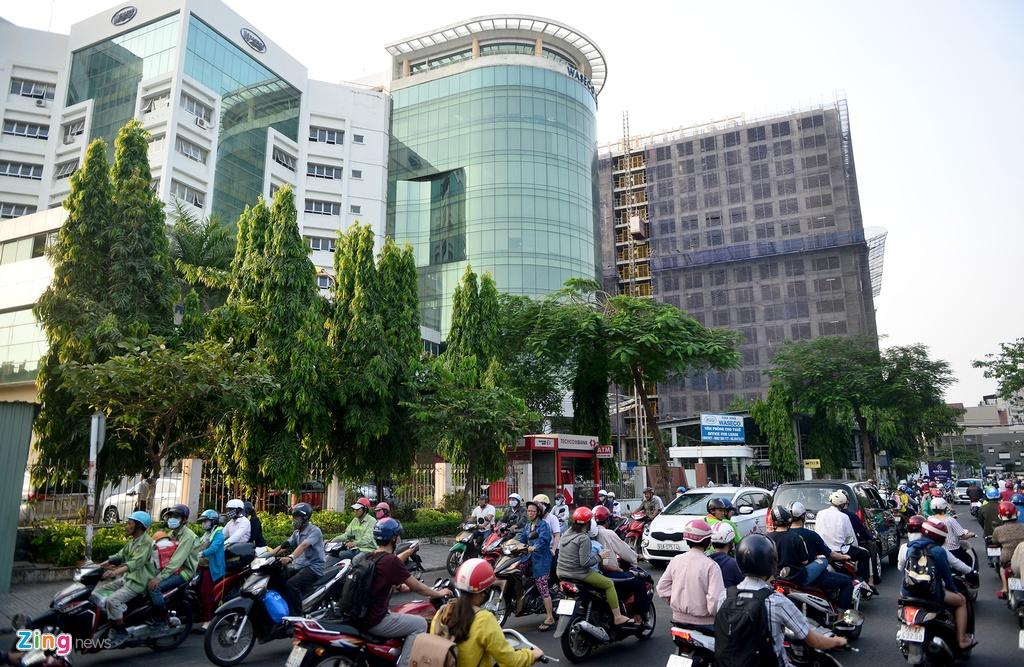 7 du an chen chuc tren truc duong '5 phut toi san bay Tan Son Nhat' hinh anh 1