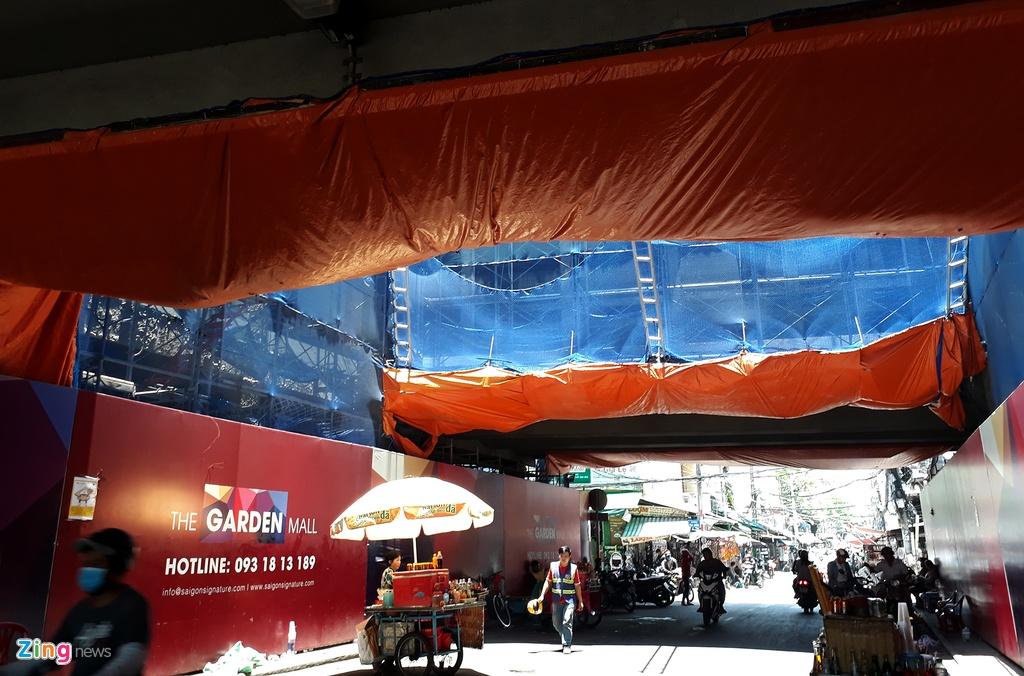 Thuan Kieu Plaza bat ngo 'doi ao' tu hong sang xanh la hinh anh 11