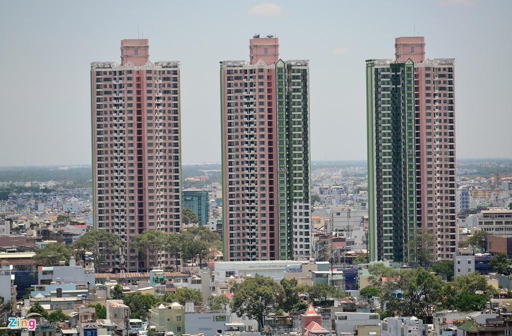 Thuan Kieu Plaza bat ngo 'doi ao' tu hong sang xanh la hinh anh 2