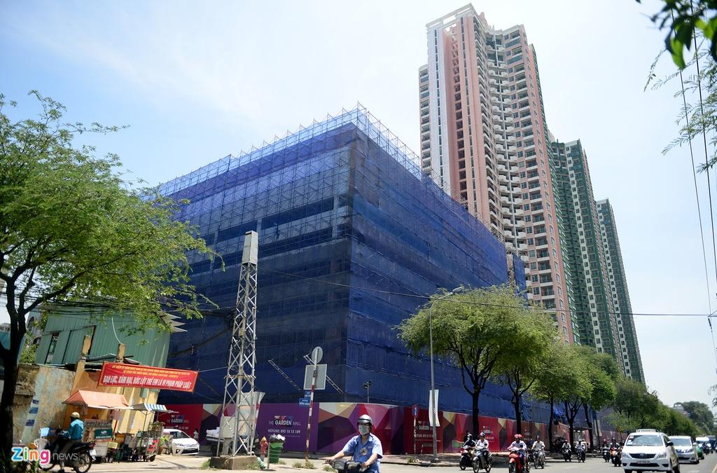 Thuan Kieu Plaza bat ngo 'doi ao' tu hong sang xanh la hinh anh 6