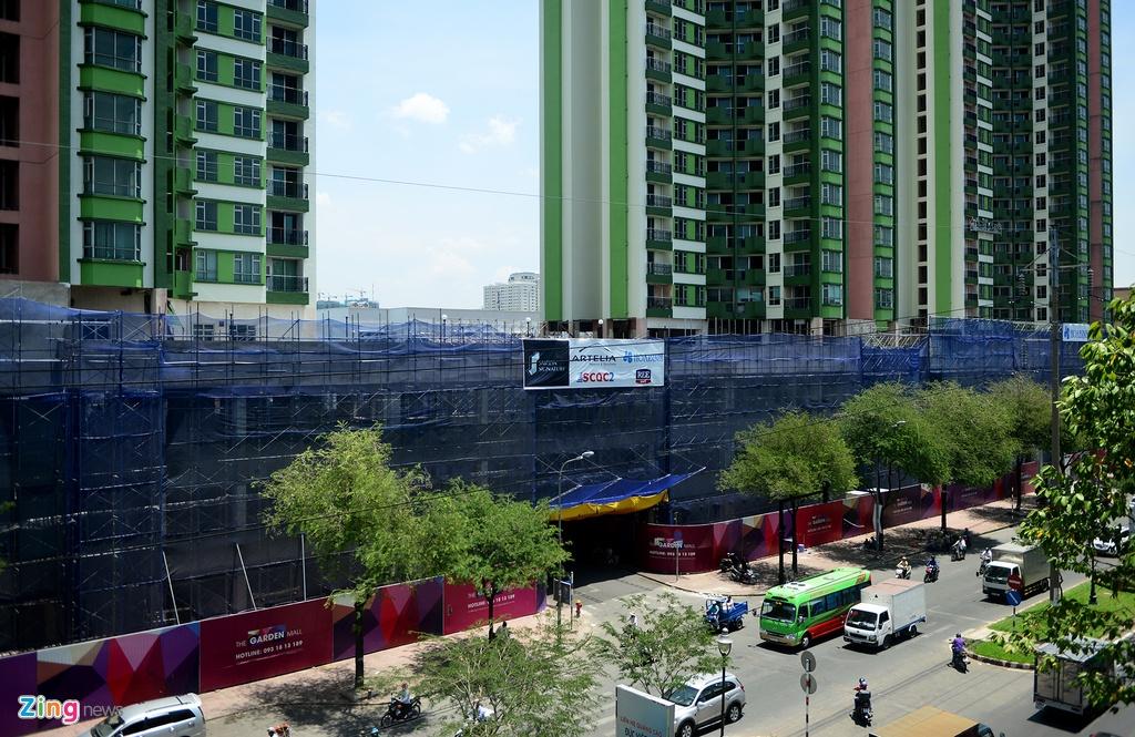 Thuan Kieu Plaza bat ngo 'doi ao' tu hong sang xanh la hinh anh 9