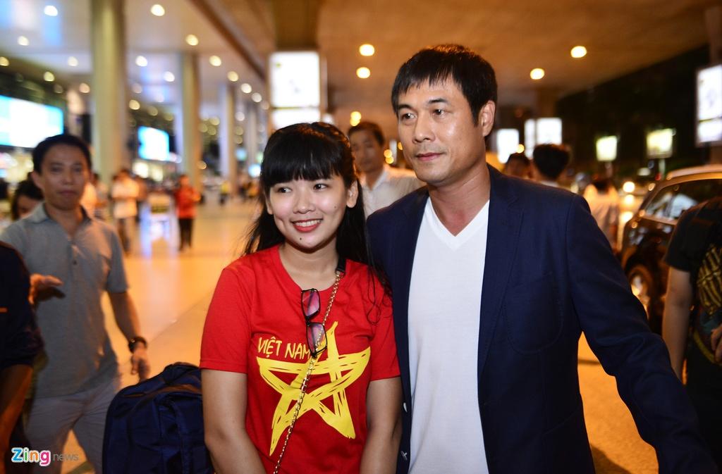 U22 Viet Nam lang le tro ve o san bay Tan Son Nhat hinh anh 8