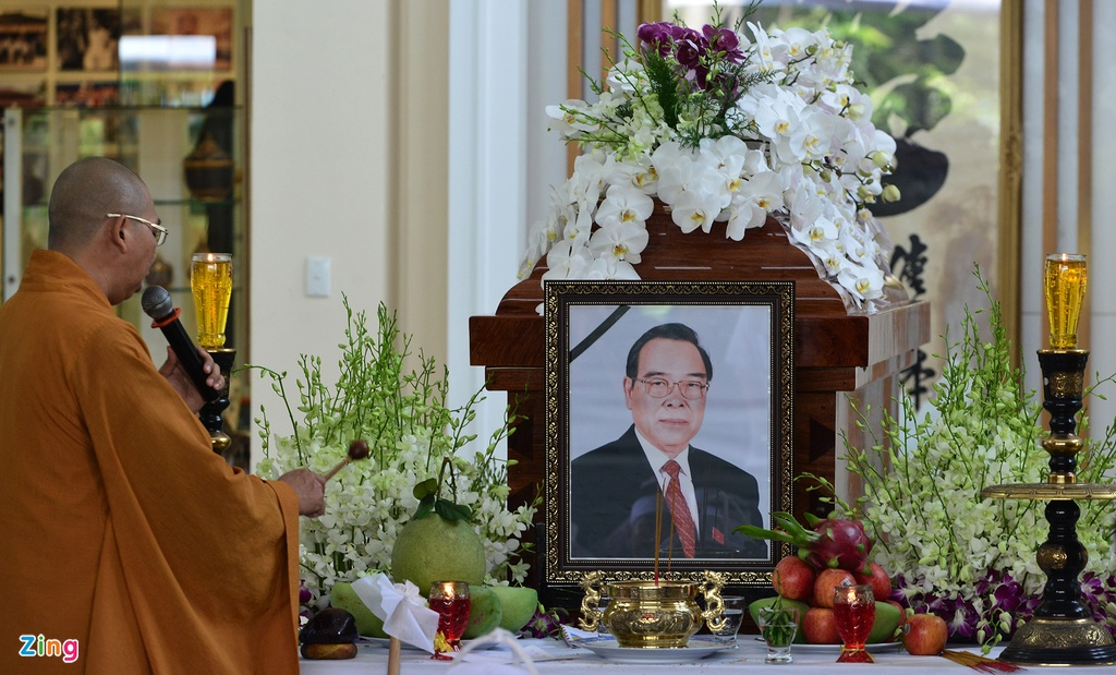 Nguoi dan den nha vieng co Thu tuong Phan Van Khai tu som hinh anh 2
