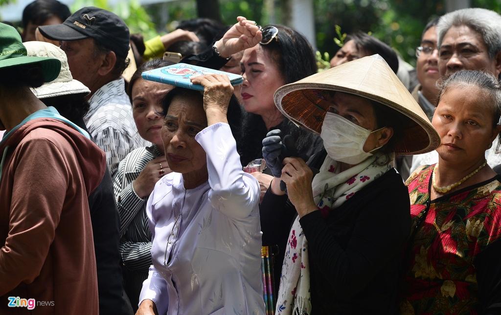 Khu mo co Thu tuong Phan Van Khai kin nguoi den vieng hinh anh 11