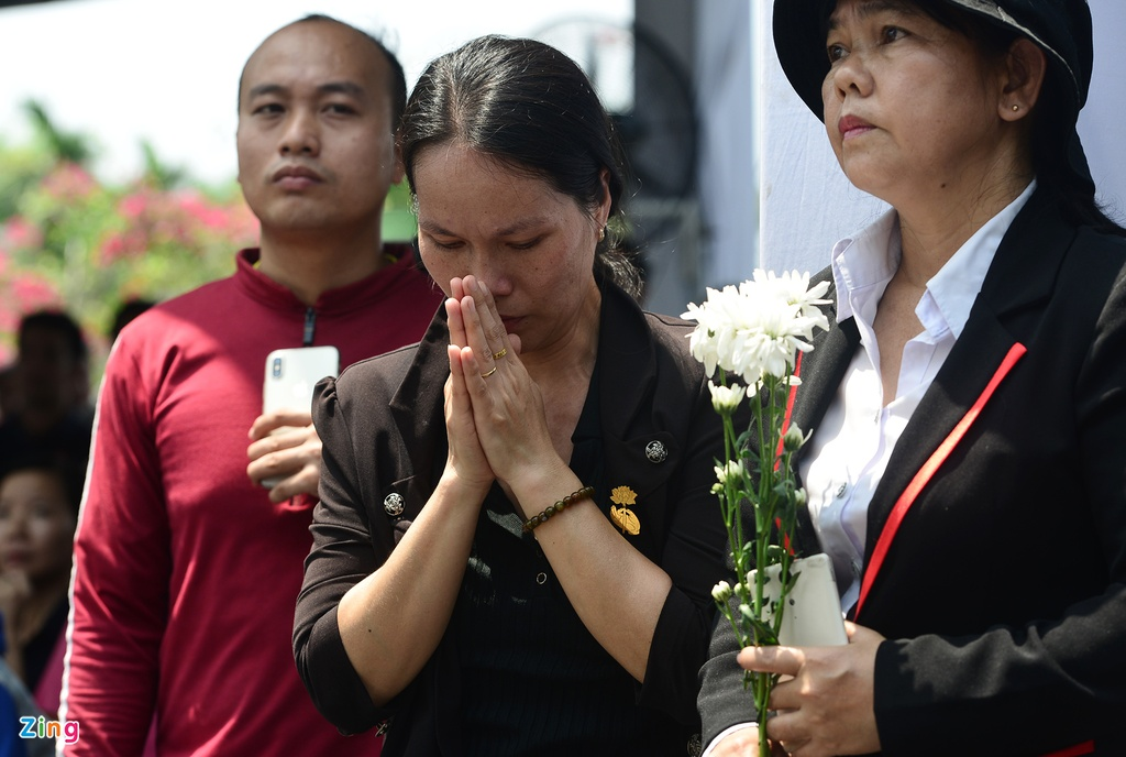 Khu mo co Thu tuong Phan Van Khai kin nguoi den vieng hinh anh 13