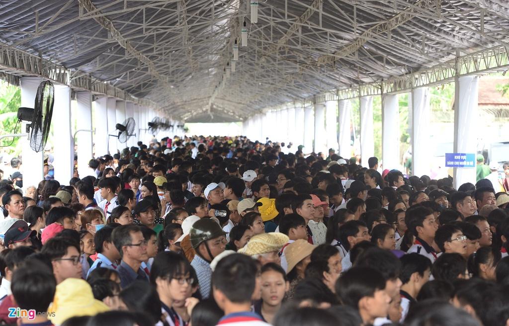 Khu mo co Thu tuong Phan Van Khai kin nguoi den vieng hinh anh 2