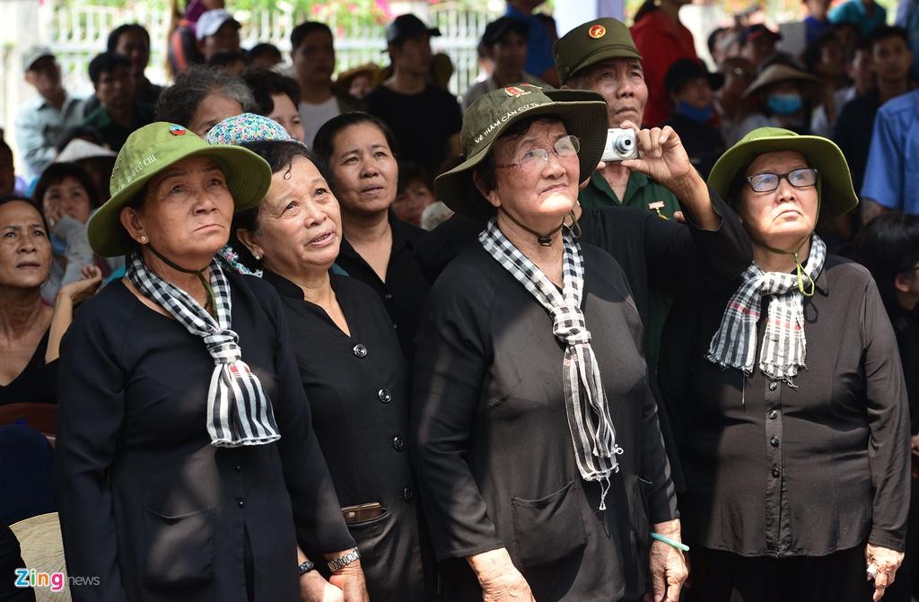 Khu mo co Thu tuong Phan Van Khai kin nguoi den vieng hinh anh 4