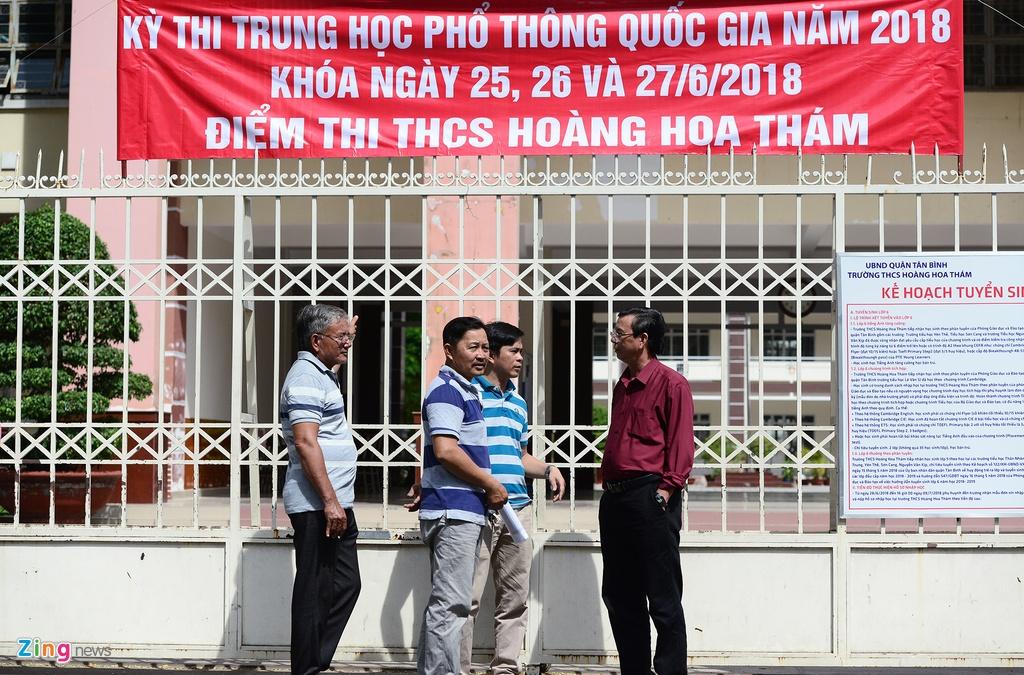 thi sinh,  phu huynh Sai Gon rang ngoi ngay thi anh 9