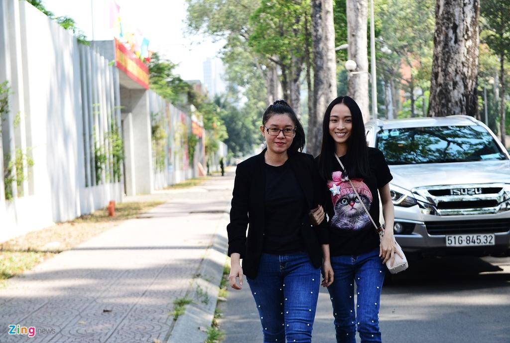 Hoa hau Phuong Nga,  quyet dinh dinh chi dieu tra anh 1