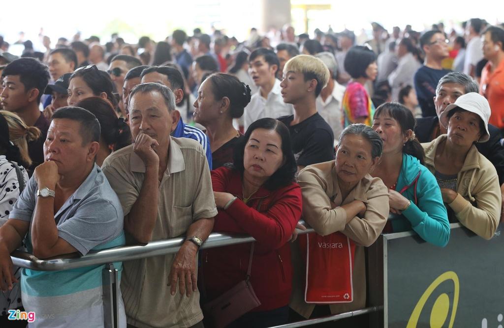 Vi sao Tan Son Nhat bi xep 'bet bang' ve chat luong dich vu? hinh anh 6