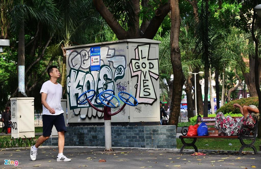 Cong vien o Sai Gon can thoi diem phai di doi anh 16