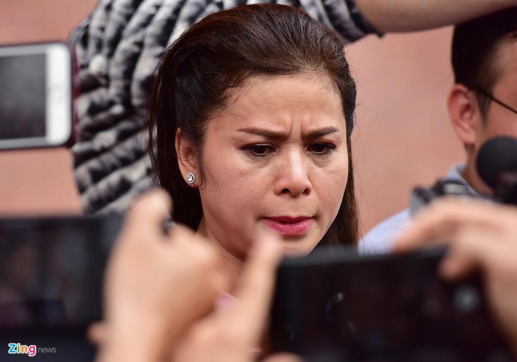 Ba Le Hoang Diep Thao: 'Toi rat lo suc khoe cho chong' hinh anh 8
