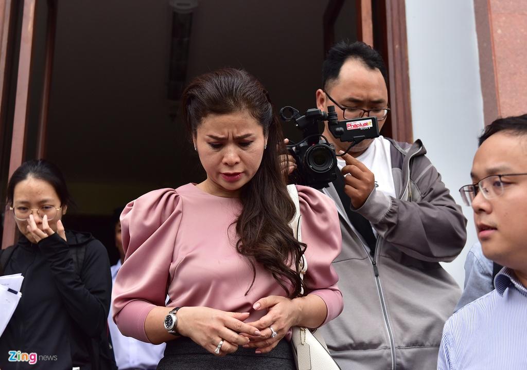 Ba Le Hoang Diep Thao: 'Toi rat lo suc khoe cho chong' hinh anh 6