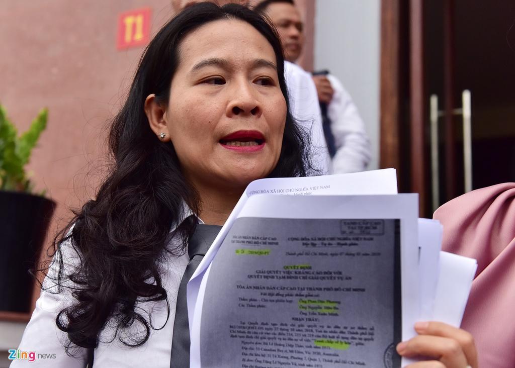 Ba Le Hoang Diep Thao: 'Toi rat lo suc khoe cho chong' hinh anh 9