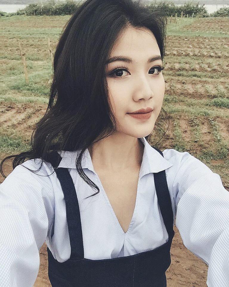 Thu khoa DH San khau Dien anh: 'Xinh dep la loi the lon' hinh anh 2