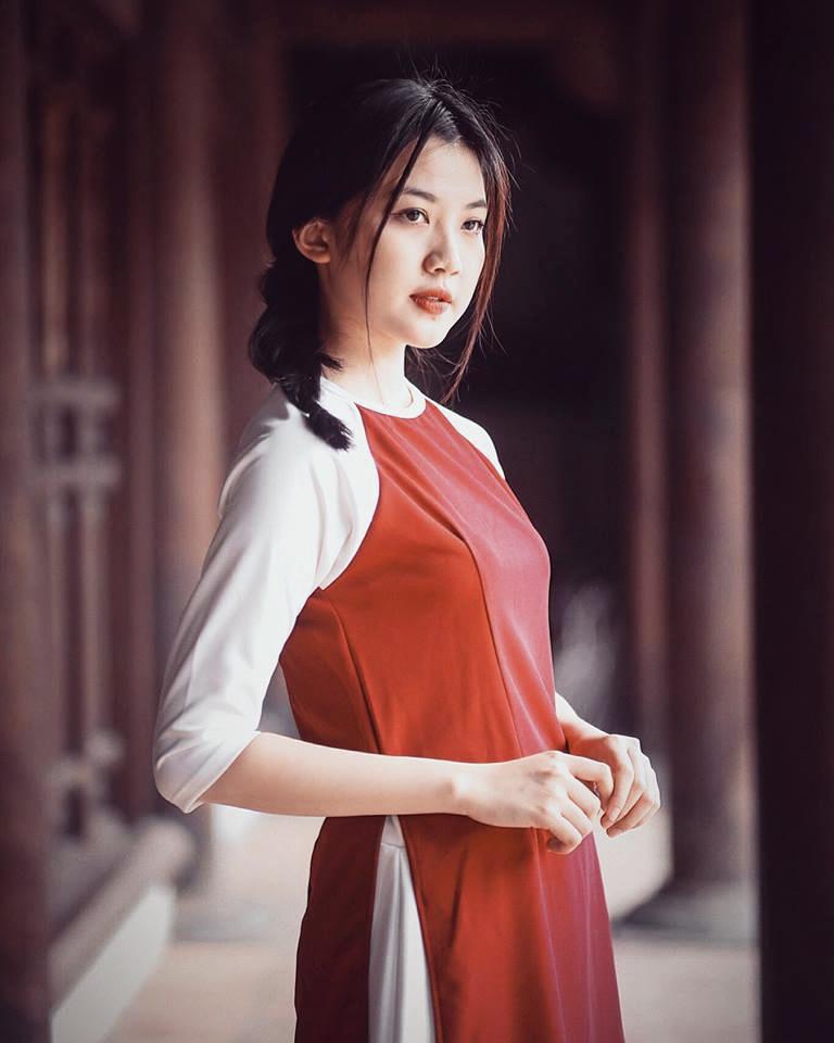 Thu khoa DH San khau Dien anh: 'Xinh dep la loi the lon' hinh anh 1