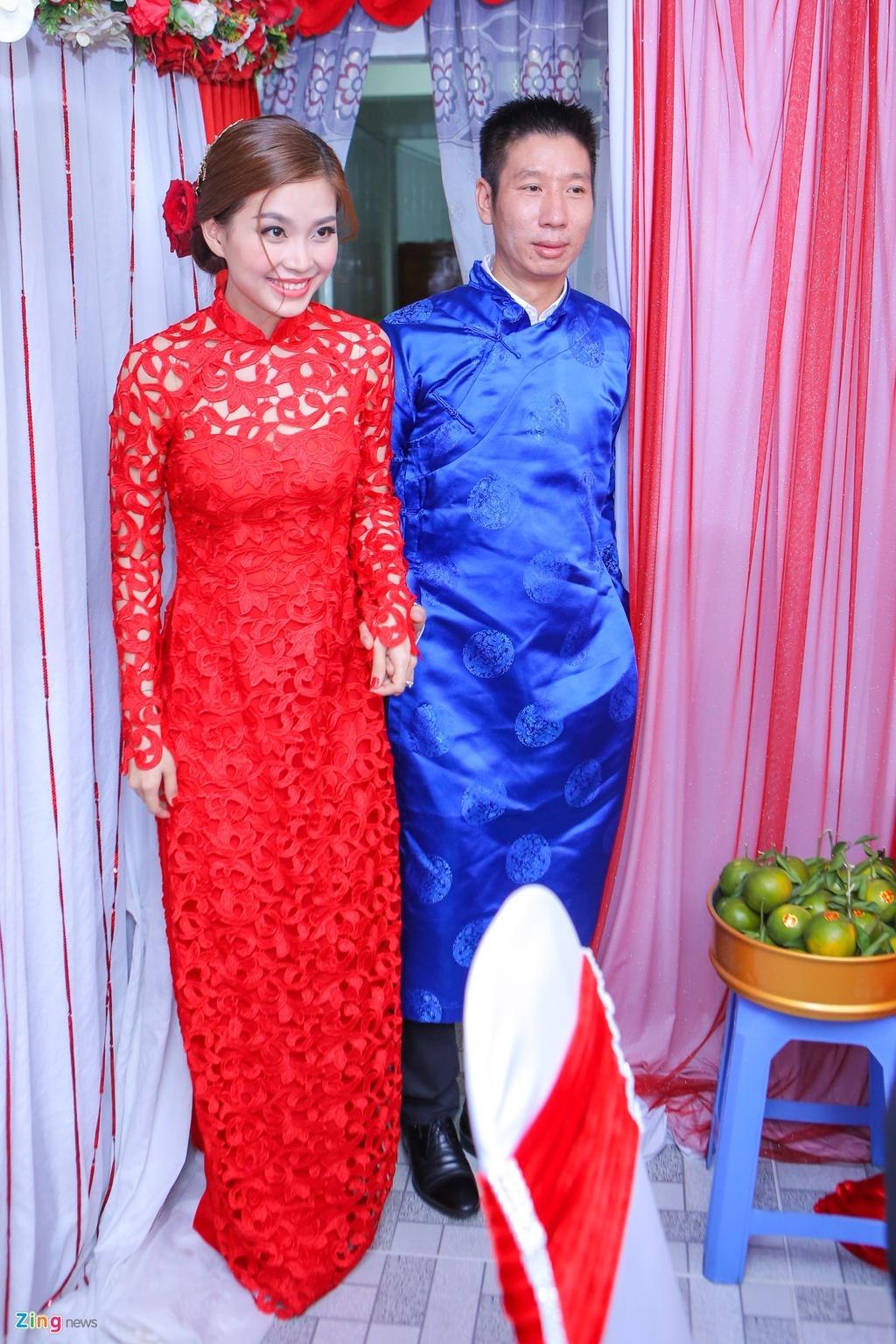 Chu re Viet kieu mac ao dai den hoi cuoi Diem Trang hinh anh 11
