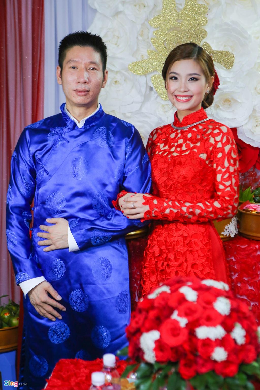 Chu re Viet kieu mac ao dai den hoi cuoi Diem Trang hinh anh 12