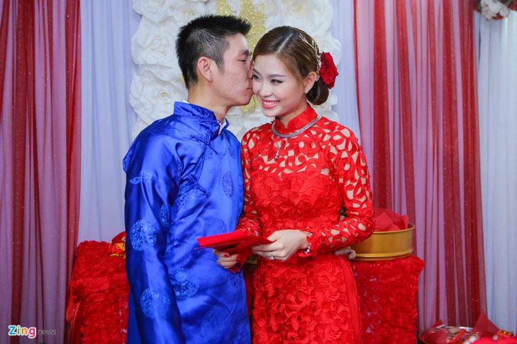 Chu re Viet kieu mac ao dai den hoi cuoi Diem Trang hinh anh 16