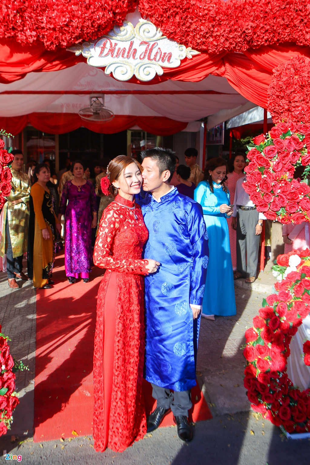 Chu re Viet kieu mac ao dai den hoi cuoi Diem Trang hinh anh 17