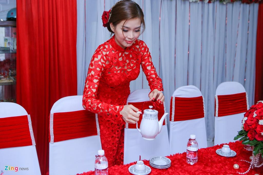 Chu re Viet kieu mac ao dai den hoi cuoi Diem Trang hinh anh 4