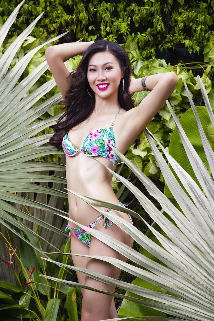 Top 17 Hoa khoi Ao dai khoe dang voi bikini hinh anh 2