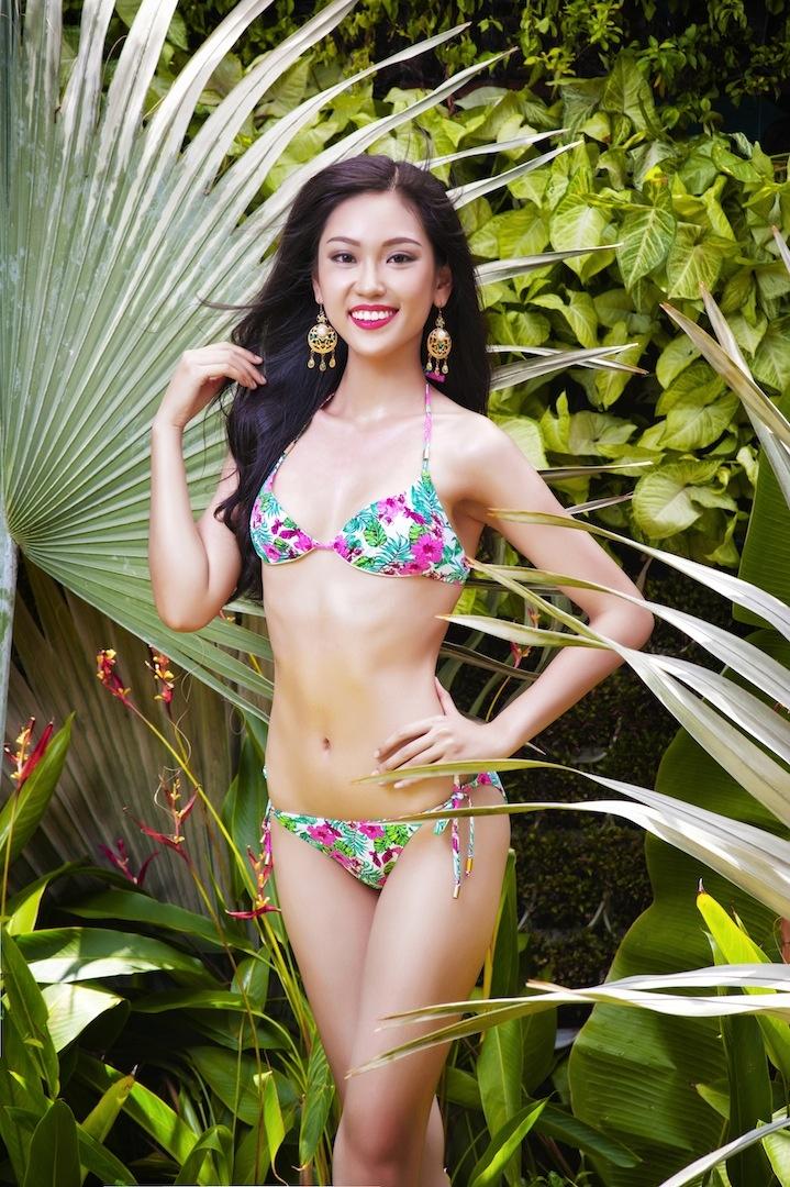 Top 17 Hoa khoi Ao dai khoe dang voi bikini hinh anh 6